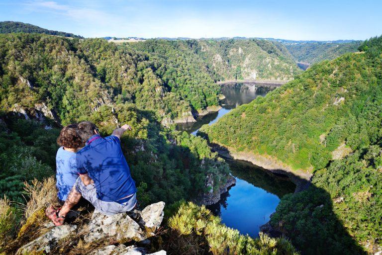 Vue panoramique de la vallée à Saint Julien Près Bort, en Corrèze