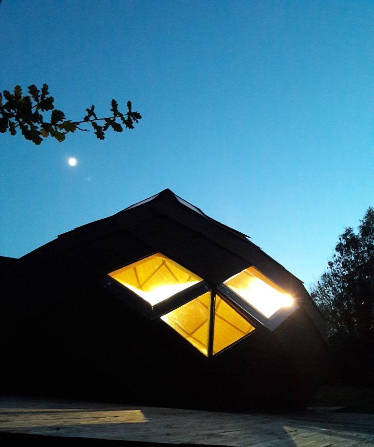 Hébergements insolites en Limousin, Haute-Vienne - Aux Insolites des Feuillardiers - Zome de nuit