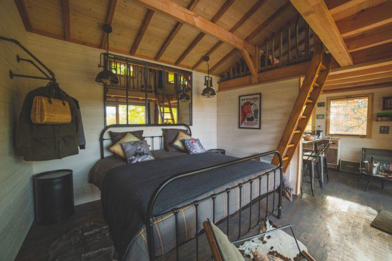 Hébergements insolites en Limousin, Haute-Vienne - Cabane carrément perchée - chambre
