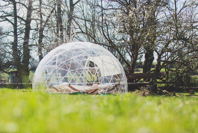 Hébergements insolites en Limousin, Creuse - Voyage Spatio temporel - Futur : dome transparent