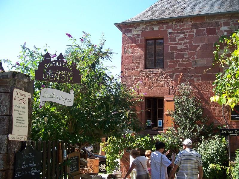 Collonges-la-Rouge en Corrèze - Activités culture en Limousin : villages à visiter
