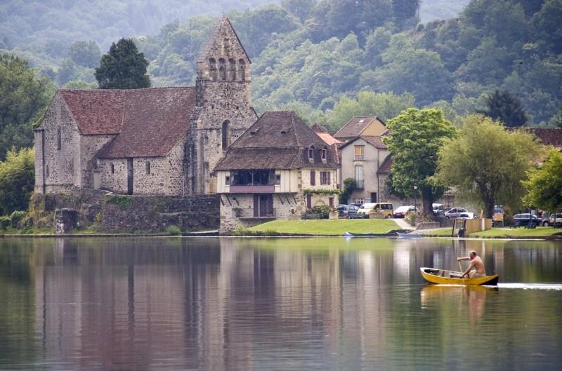 Beaulieu sur Dordone - Activités culture en Limousin : villages à visiter