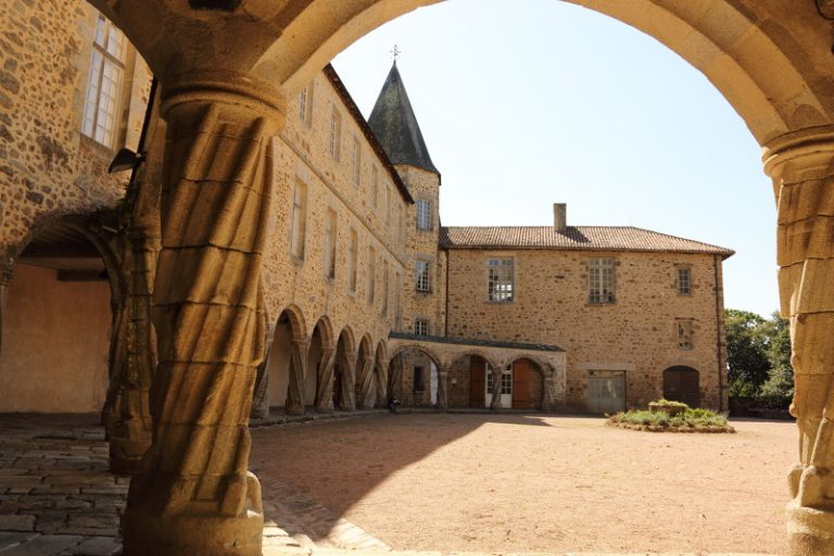Musée d'art contemporain de Rochechouart en Haute-Vienne : Activités culture en Limousin