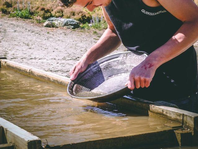 Apprendre à chercher l'or en Limousin