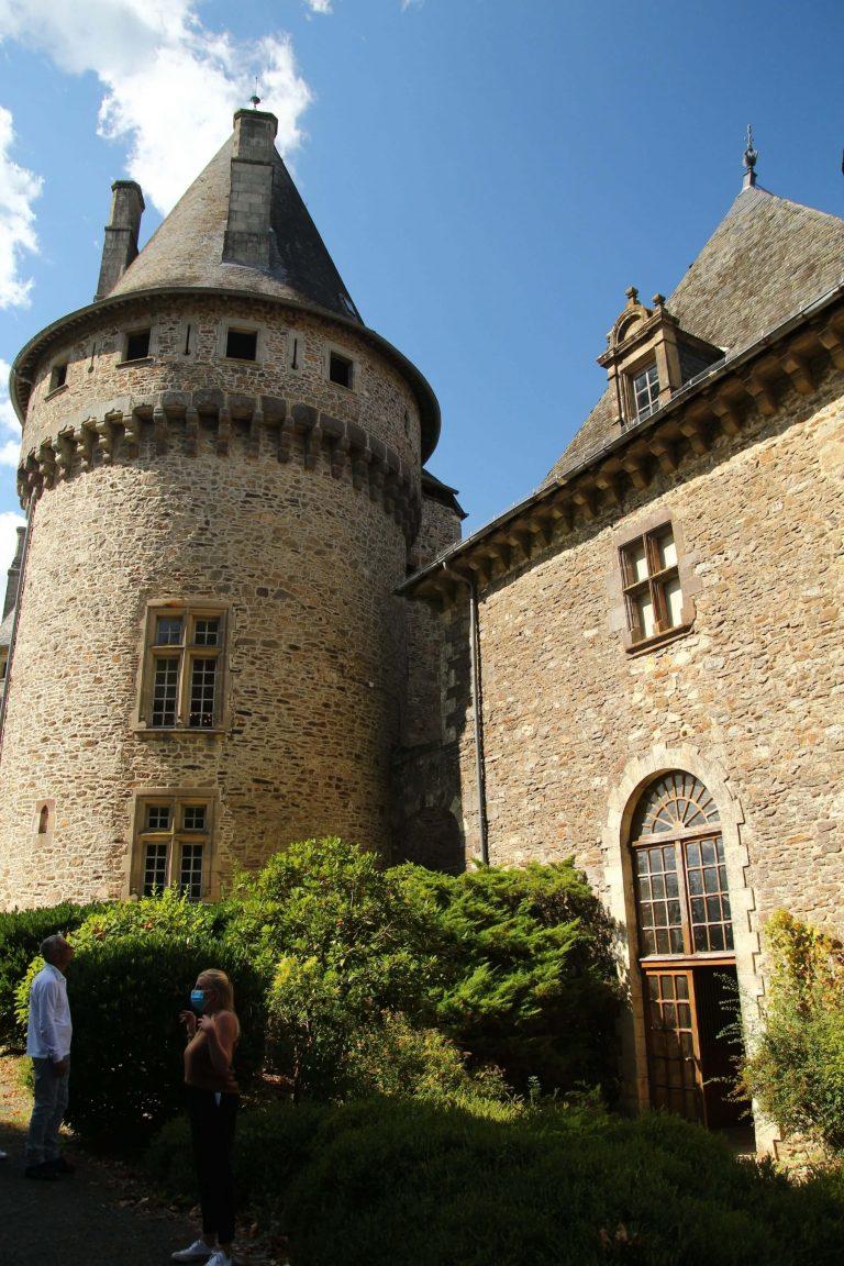 Écuries et château de Pompadour en Corrèze