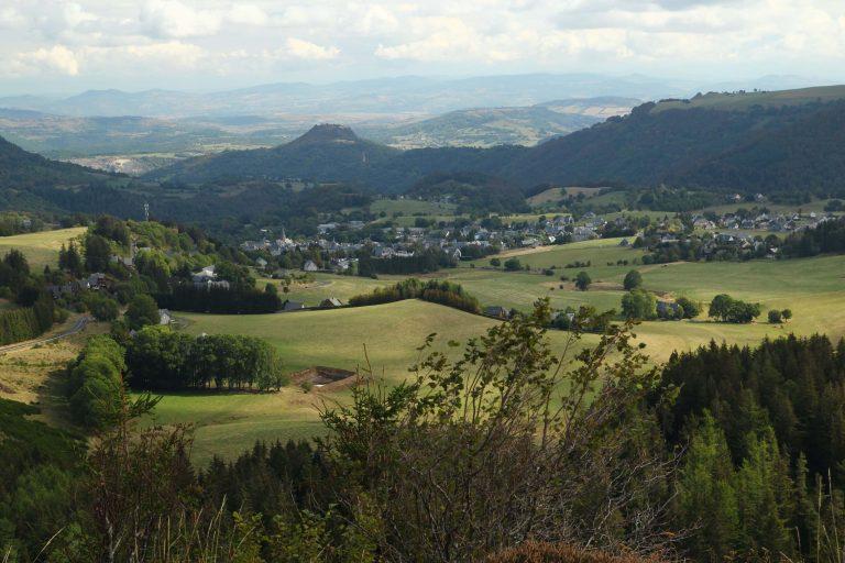 Besse en Chandesse et Vallée de Super Besse en Auvergne