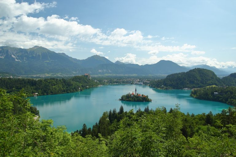 Lac de Beld vu depuis Ostrjica, Slovénie